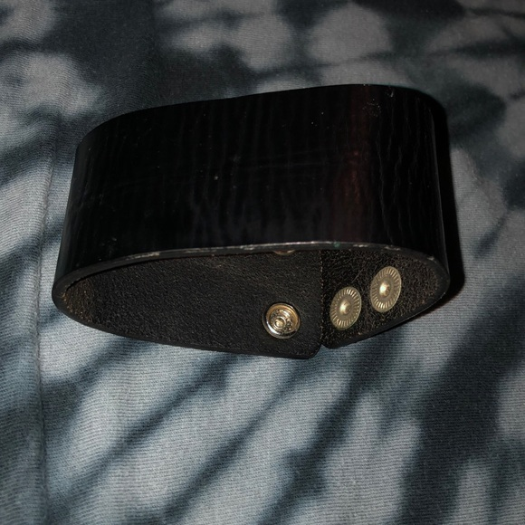 Hot Topic Other - Leather cuff